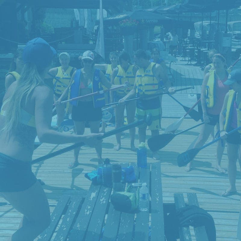Groupe de paddle board SUP